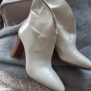 Cavallini cream leather ankle boots 37